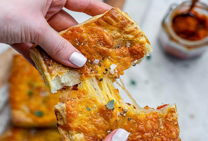 Recette de Feuilleté à la Zacusca et au fromage